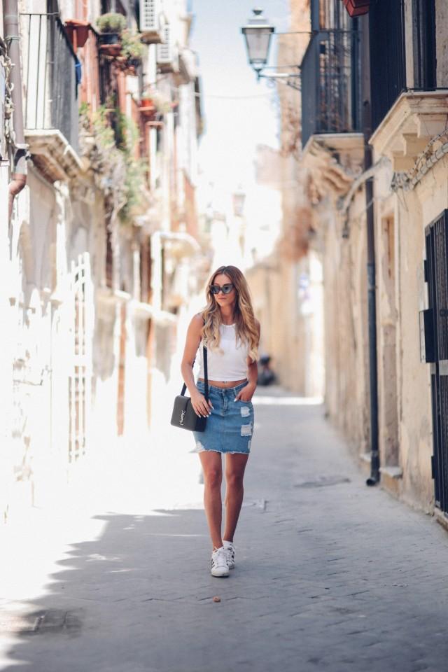 Denim-Skirt-Outfits-4-640x960