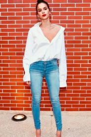 Camisa Branca e Jeans (2)